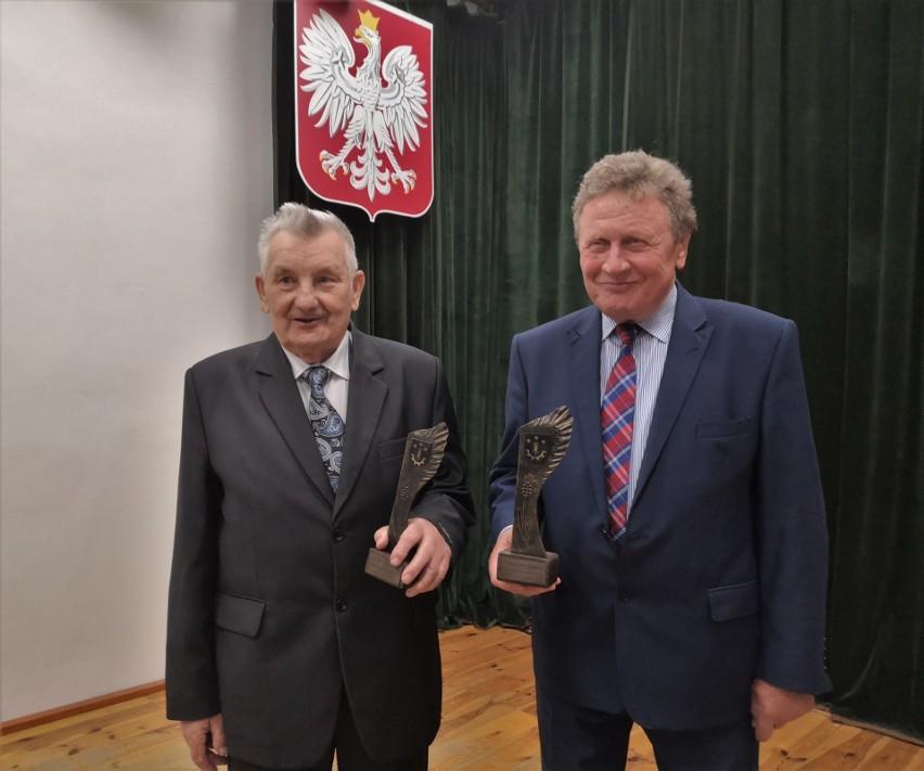 Były poseł Władysław Stępień i wieloletni sołtys Józef Grębowiec uhonorowani przez gminę Gorzyce tytułami (ZDJĘCIA)