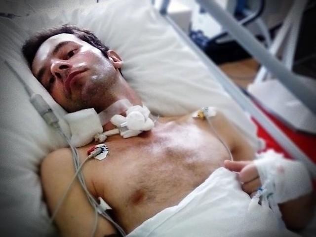 26-letni Dominik w lipcu uległ wypadkowi. Potrzeba pieniędzy na jego rehabilitację.