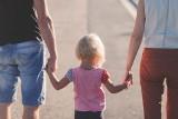 Caritas Diecezji Sosnowieckiej rusza z projektem wsparcia rodziców i rodzin. Poprowadzi Szkołę dla Rodziców