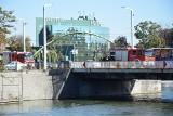 Wrocław: Martwy człowiek w Odrze przy moście Pomorskim