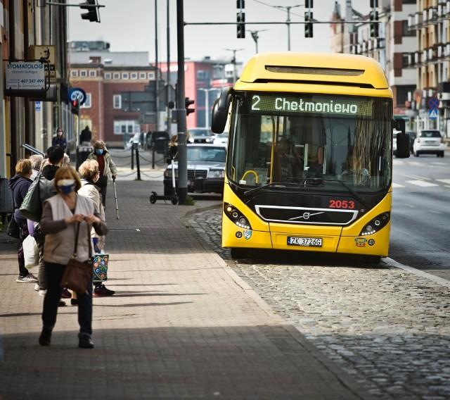 Pasażer autobusu MZK w Koszalinie pobił kontrolerów biletów