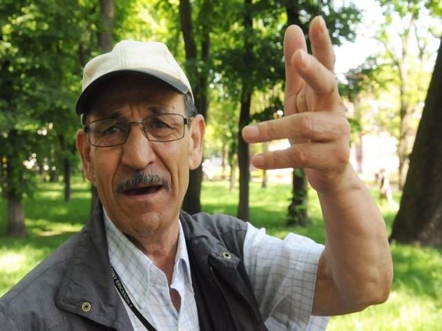 Lubię ptaki, ale z tymi, które tak uprzykrzają życie bywalcom parku, należałoby coś zrobić - uważa Dieter Weinbrenner