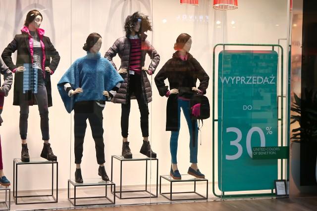 Dziś na topie są ubrania wygodne. Jak się okazuje, w czasie pandemii stawiamy bardziej na ich użyteczność niż wymyślność.