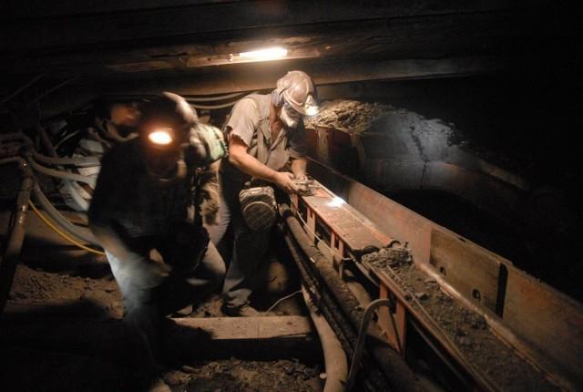 Górnicy JSW stracą po 15 tys. zł na głowę. RocznieGórnicy JSW przez trzy lata poważnie oberwą po kieszeni