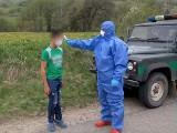 Uście Gorlickie. Nielegalny spacer siedmiu nastolatków ze Słowacji. Przekroczyli granicę, straż graniczna zatrzymała ich w Izbach