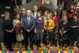 Muzeum Rzeźby. Marszałek województwa wręczył artystyczne stypendia (zdjęcia)