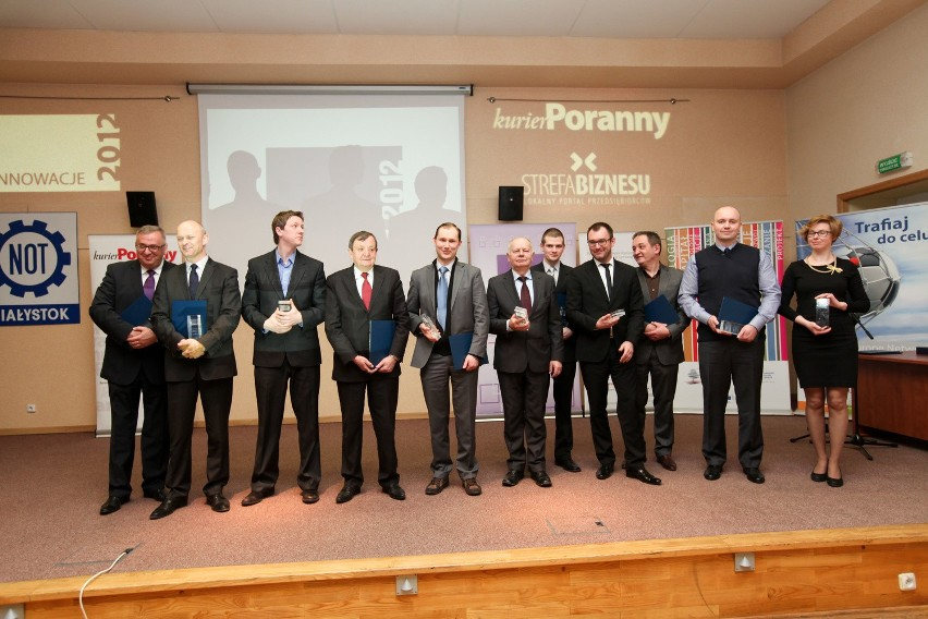 Laureaci ubiegłorocznego rankingu (od lewej): Sławomir Żubrycki (Palisander), Robert Mieczejko (Rodex), Adam i Henryk Owsiejew (Malow), Andrzej Sobolewski (ChM), Antoni Stolarski (SaMASZ), Dariusz Jabłoński (Promotech), Paweł Ponichtera i Dariusz Czarnowski (Czar-Dent), Tomasz Dąbrowski (RITBET) oraz Bożena Matoszko (APS)