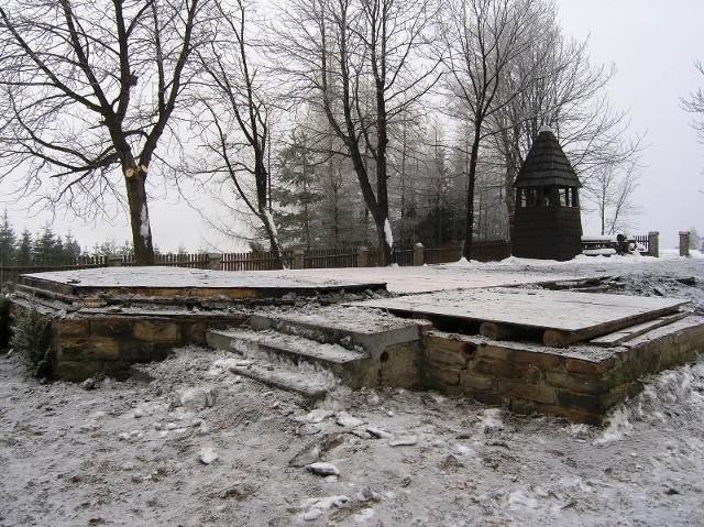 Po kościółku na Stecówce zostały tylko fundamenty