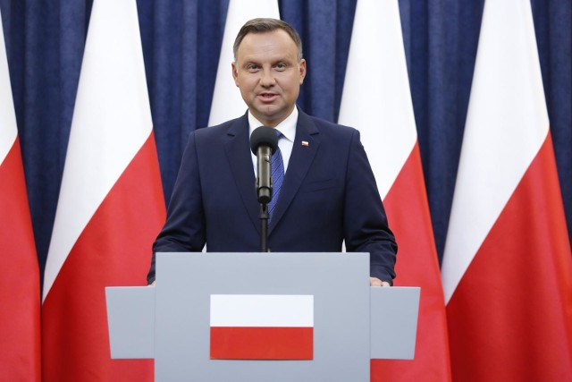 Prezydent Andrzej Duda, wraz z ministrem zdrowia i szefem KPRM odpowiadają na pytania dot. szczepień [Q&A]