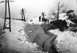 Kwiecień 1972 r. Wokół była wiosna, a w Kasinie Wielkiej pociąg utknął w zaspie