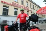 Na rowerze zachęca do krwiodawstwa. Pokona 2,5 tys. km