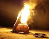 Podhale. Pożar drewnianego szałasu u wylotu Doliny Chochołowskiej
