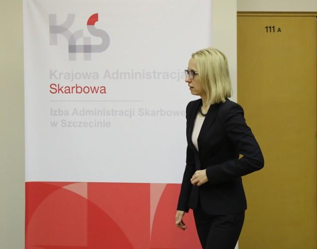 Minister finansów Teresa Czerwińska, konferencja prasowa w siedzibie Izby Administracji Skarbowej w Szczecinie