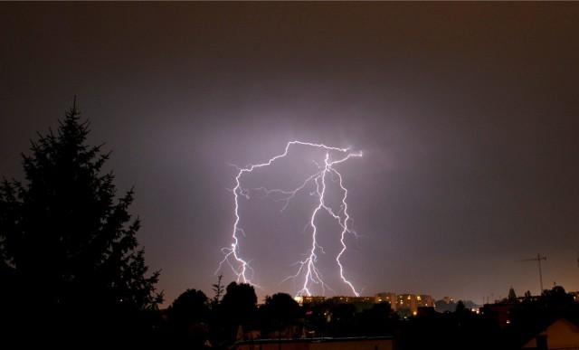 Burza w Poznaniu: Nad Poznań i Wielkopolskę nadciągają burze [GDZIE JEST BURZA, PROGNOZA POGODY]