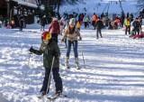 Łysa Góra w Sopocie oblegana! Stoki znów otwarte, a fani zimowych sportów chętnie korzystają [zdjęcia]