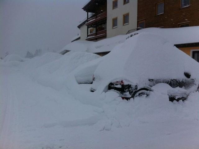 Turyści ze Śląska uwięzieni w Tyrolu z powodu opadów śniegu