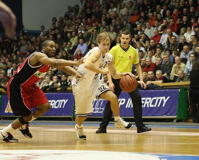 Zdjecia z meczu Energa Czarni Slupsk - Bank BPS Basket Kwidzyn.