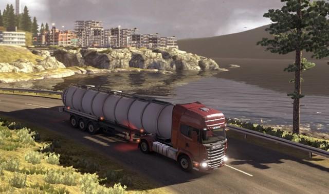 Scania Truck Driving SimulatorScania Truck Driving Simulator to w sumie zaskakująco udana produkcja. A studio SCS Software już kończy prace nad Euro Truck Simulator 2.