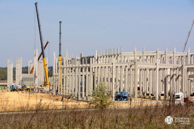 Nowa fabryka koreańskiego inwestora powstaje w Dąbrowie Górniczej - Tucznawie. Zobacz kolejne zdjęcia/plansze. Przesuwaj zdjęcia w prawo - naciśnij strzałkę lub przycisk NASTĘPNE