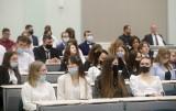 Portfel Studenta 2021. W pandemii studenci mniej wydali, ale też trudniej było o pracę