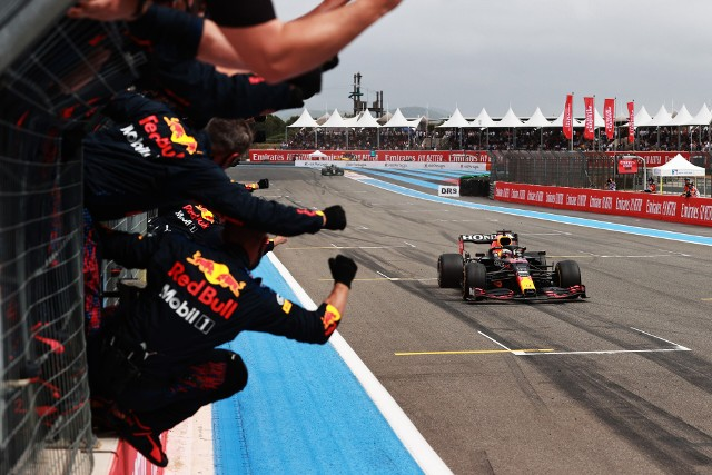 Red Bulle dopadły Mercedesy. Max Verstappen wygrał Grand Prix Francji