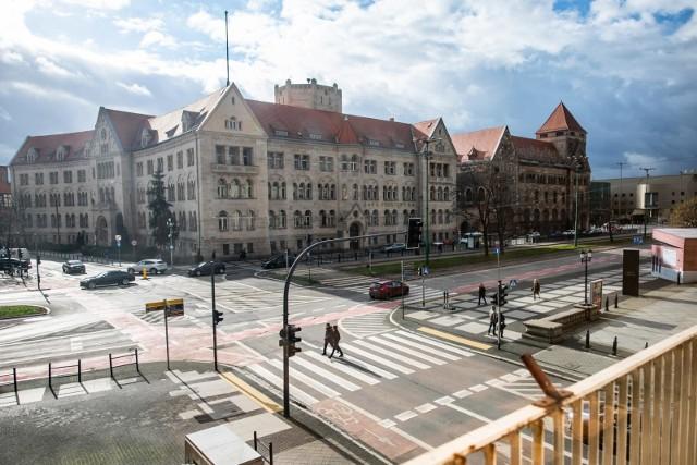 Aglomeracja poznańska jest jednym z pięciu regionów w Europie, gdzie prowadzone są badania dotyczące zmian klimatu. Mieszkańcy, biorący w nich udział wskazują, gdzie są one bardziej odczuwalne, bo np. brakuje drzew.
