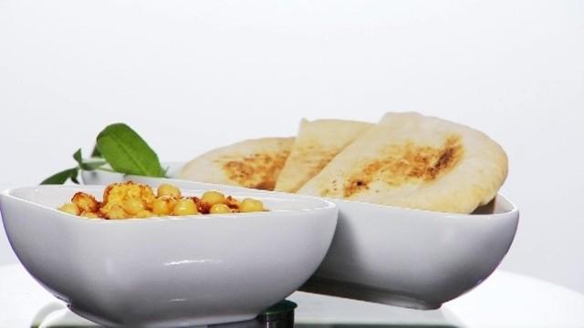 Jak zrobić pyszny domowy hummus (WIDEO)Jak zrobić pyszny domowy hummus (WIDEO)