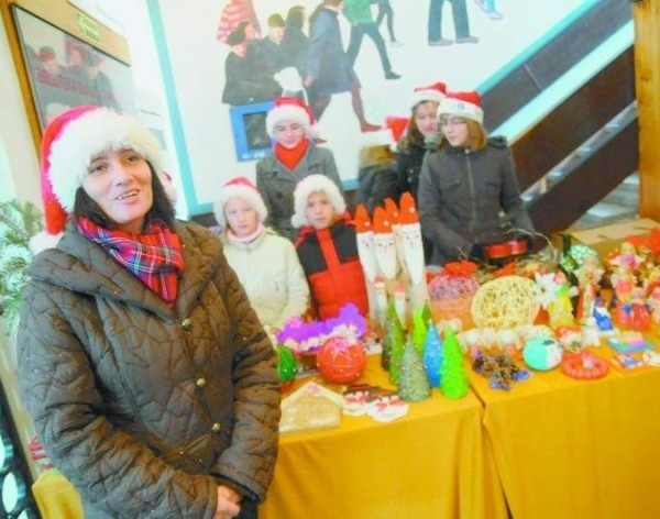 Pieniądze dla chorej Klaudii zbierano m.in. na jarmarku bożonarodzeniowym.