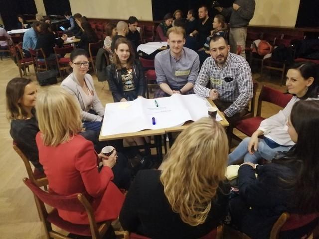 Narada Obywatelska o Edukacji w auli I LO w Poznaniu