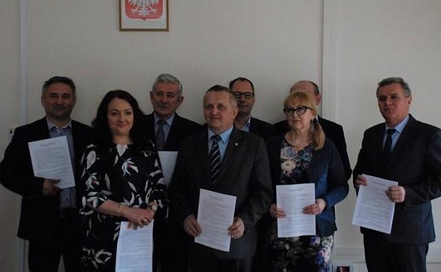 W środę, 11 kwietnia w Pińczowie włodarze gmin i prezesi trzech spółek podpisali porozumienie w sprawie klastra.