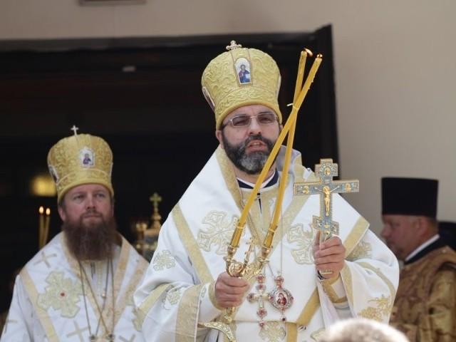 (z prawej) celebrował uroczystości w parafii św. Eliasza w Dojlidach
