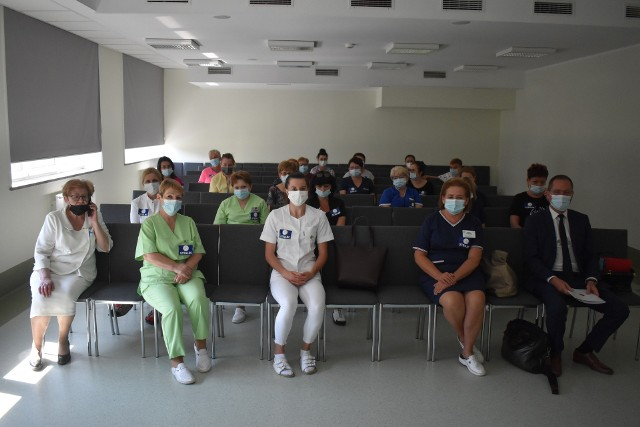 W Wielkopolsce strajk odbył się w dwóch placówkach w Pleszewie i w Poznaniu. W pozostałych szpitalach w regionie trwały akcje solidarnościowe - plakaty strajkowe, ulotki, związkowe barwy, a w niektórych miastach także manifestacje pod szpitalami