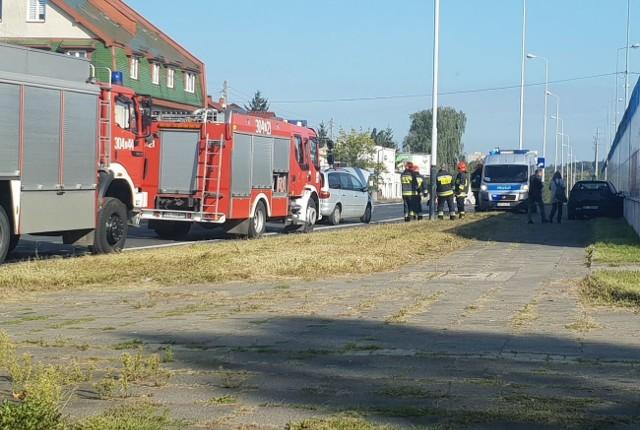 Na skrzyżowaniu ulic Widzewskiej i Chmielowskiego doszło do wypadku. Kierowca samochodu vw nie ustąpił pierwszeństwa przejazdu i zderzył się z jadącym ul. Widzewską seatem. ZDJĘCIA na kolejnych slajdach >>>>>>