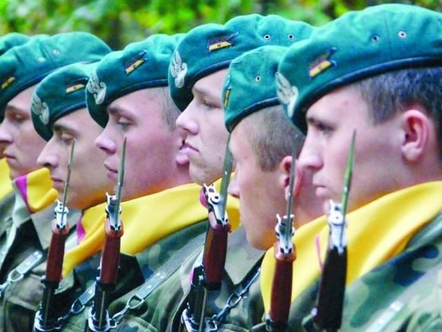 W czwartek w rejonie Osowych Grząd żołnierze oddadzą tradycyjnie salwę honorową ku pamięci poległych.