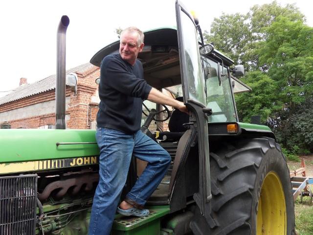 Janusz Walczak prowadzi rodzinne gospodarstwo w Golskiej Hucie. Mógł być kolejarzem, został rolnikiem i nie żałuje tej decyzji