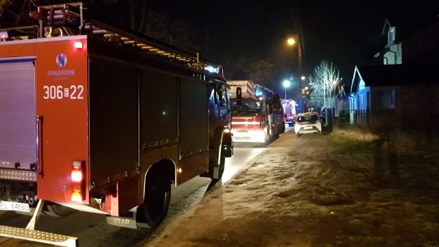 Pożar na Przestrzennej w Łodzi. W kotłowni budynku wybuchł piec. Strażacy ewakuowali mieszkańców