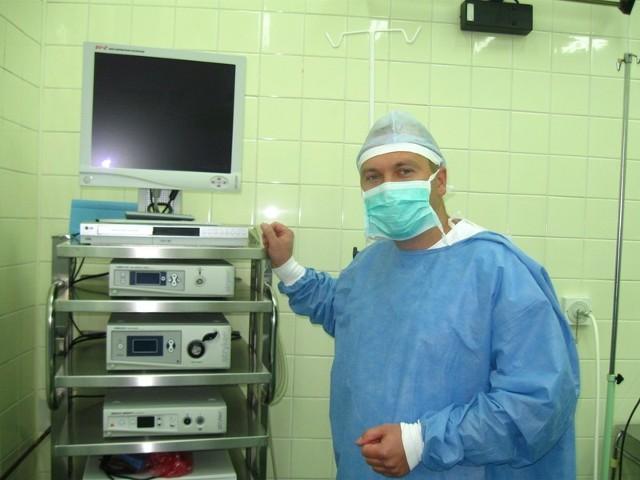 - Część aparatury do artroskopii mamy już na miejscu - mówi ordynator Piotr Pruszyński.