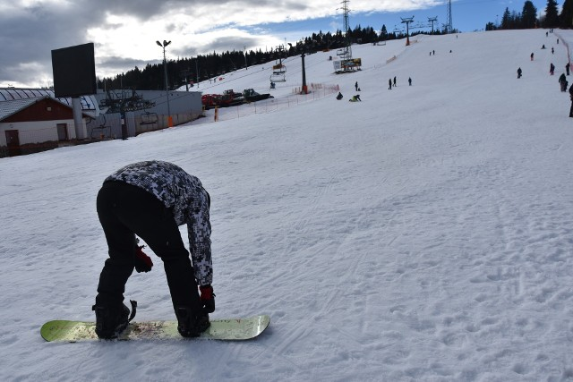Kotelnica Białczańska. Dziś jeśli ktoś chce pojeździć tu na nartach czy desce musi sam (o własnych siłach) podchodzić pod górę.