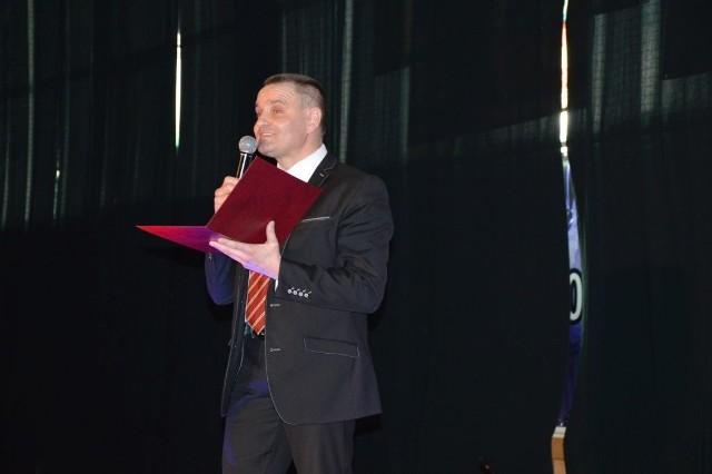 Mariusz Paluch jak rasowy showman stopniował napięcie podczas uroczystości 15-lecia pływalni
