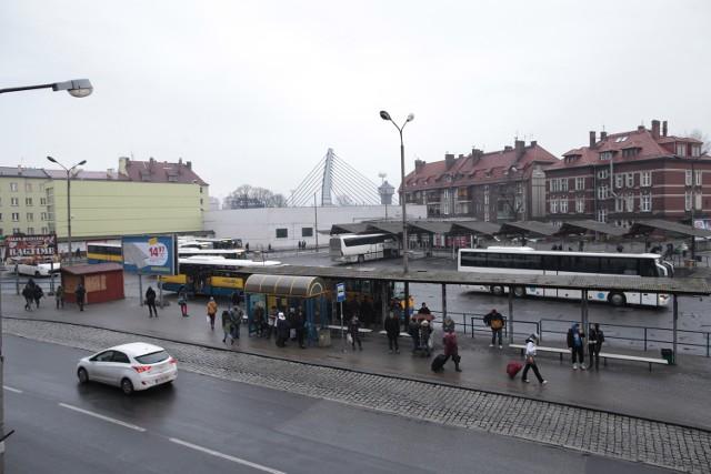 Do najbardziej zagrożonych przestępczością miejsc w Opolu należą m.in. okolice dworca PKP i PKS.