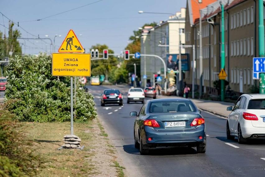 Kierowcy najbardziej narzekają na brak możliwości skrętu w...