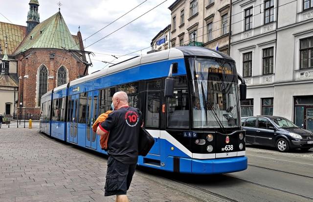 W Krakowie będzie obowiązywał 72-godzinny bilet turystyczny za 25 zł na tramwaje i autobusy. Rada Miasta Krakowa przegłosowała uchwałę w tej sprawie.