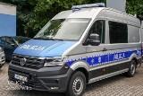 Nowy specjalistyczny radiowóz APRD już w Gorzowie. Jest jak policyjne biuro na kółkach!