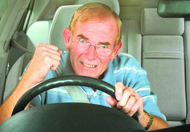 34 procent kierowców zmienia sposób prowadzenia auta, opierając się na swoich uprzedzeniach