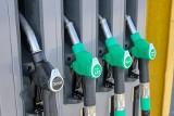 Sprzedaż paliw mocno spadła. W pandemii tankujemy zdecydowanie mniej paliwa, zwłaszcza benzyny i gazu