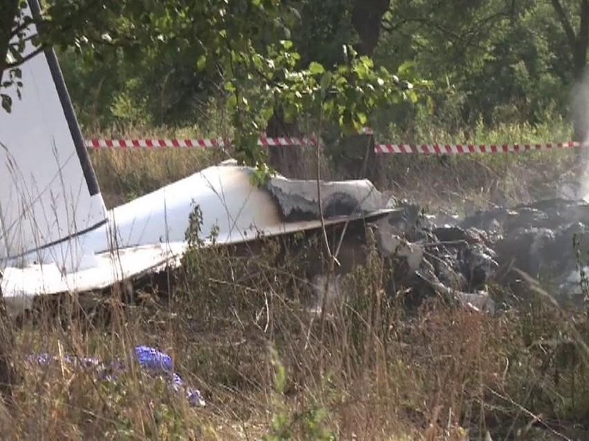 Brat ocalałego z katastrofy w Topolowie: Udało mu się wyczołgać z tego samolotu do połowy [wideo]