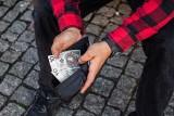 Masz takie 10 złotych? To sprzyjająca okoliczność, aby być bogatym! Zarobisz gigantyczną fortunę! Musisz sprawdzić jego numer seryjny