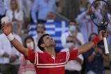 Novak Djoković drugi raz w karierze wygrał Roland Garros. Serb pokonał w finale Stefanosa Tsitsipasa [WIDEO]