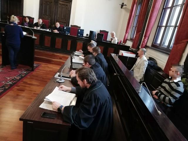 Sąd ponownie (w części) zbada sprawę dotyczącą rzekomego przetrzymywania i zmuszania do nieodpłatnej pracy 55-latka