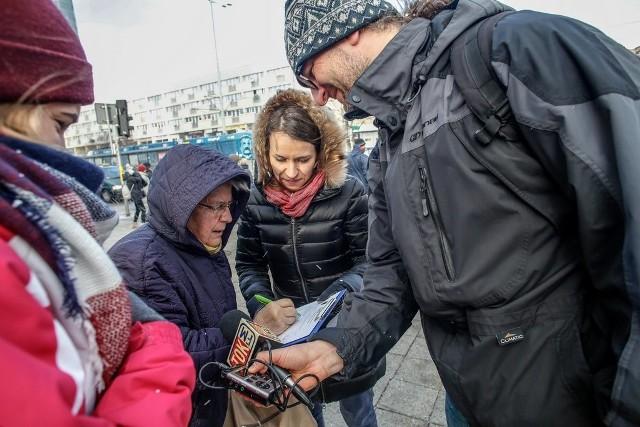 Posłanka PO Agnieszka Pomaska zorganizowała akcję zbierania podpisów pod petycją w sprawie budowy trasy S6